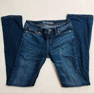 Aeropostale- Chelsea Boot Jean Size 00 Short